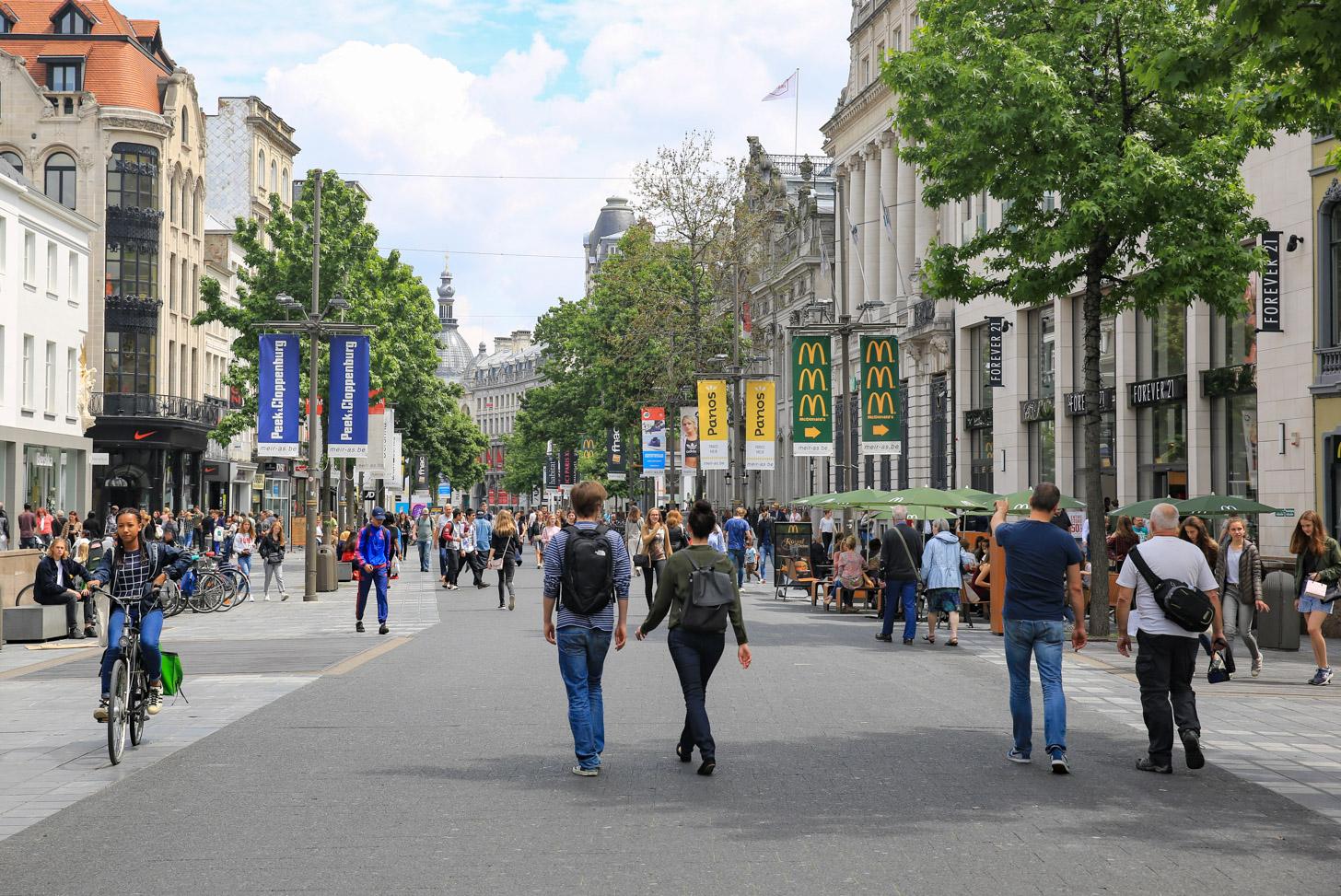De Meir is dé winkelstraat van Antwerpen